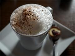 Kaffeepause (ingrid eulenfan) Tags: kaffeepause cappuccino tasse coffee cup makro macro
