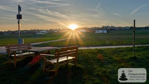 Sonnenaufgang über Nieder-Olm und dem Selztal