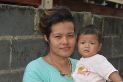 mother and son (the foreign photographer - ฝรั่งถ่) Tags: jul242016nikon mother son tinted hair khlong thanon portraits bangkhen bangkok thailand nikon d3200