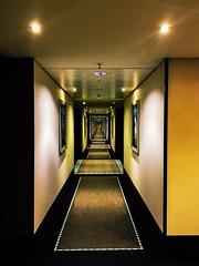 Endless floor (ralfkai41) Tags: architecture endless floor urban lichter endlos architektur flur hotel düsseldorf