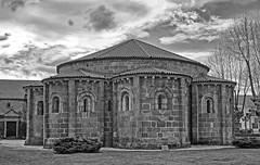 Cabecera de la iglesia románica de Santa María de Cambre (A Coruña) (Miguelanxo57) Tags: arquitectura cantería medieval románico iglesia ábside cambre acoruña galicia