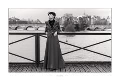 Paris n°172 - Pont des Arts (Nico Geerlings) Tags: paris france ngimages nicogeerlings nicogeerlingsphotography pontneuf iledelacite pontdesarts seine streetphotography leicammonochrom 50mm summilux