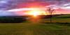 Lever de soleil nailloux (zqk09) Tags: sun sunrise sunlight france soleil lever rayons nuage cloud ciel sky nature champ midipyrénées ariege nailloux color couleur magnifique moutain montagne canon 1300d 1022