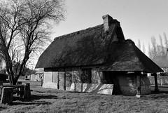 Le Four à pain de la Haye-de-Routot (Philippe_28) Tags: lahayederoutot 27 eure normandie normandy france europe 24x36 argentique analogue camera photography film 135 bw nb