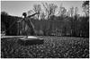 Grugapark Essen (FotoTrenz NRW) Tags: speerwerferin skulptur grugaparkessen schwatzweis blackandwhite spring frühling bw schwarzweis figur sport park monochrome artwork essen nrw gruga grugapark