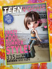 """#covergirl 😉 I wonder what that """"crazy cool summer style"""" looks like... 🤔 #jeccifive #customjeccifive #customdoll #blythe #customblythe #crochet #crochetdollclothes #dollfashion (Dolliina) Tags: crochet crochetdollclothes customjeccifive jeccifive customdoll dollfashion blythe customblythe covergirl"""