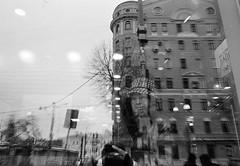Olympus OM-1 / Ilford HP5 (nedoKunst) Tags: streetphoto streetphotography street streetphotographer 35mm everybodystreet film filmphotography ilford ilfordhp5 hp5 mirror analog analogphotography om1 olympus olympusom1 moscow iso1600