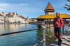 Luzern/Schweiz 2. April 2018 (karlheinz klingbeil) Tags: turm strumpfhose stricken bridge see tights switzerland city knitting lake mode knitwear suisse water collant brücke wasser schweiz tower car manninstrumpfhose stadt gestricktes knit menintights luzern fashion ch