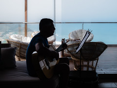 Musician in his own world. (Ulises Vizcardo) Tags: musician guitarrist guitar guitarrista musico guitarra
