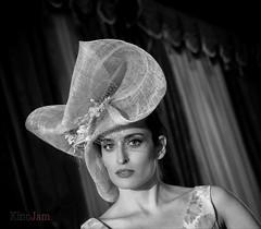 Paola (kinojam) Tags: portrait hat belleza beauty modelo moda fashion bn bw kino kinojam canon canon6d