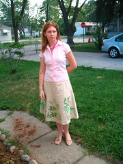 08/10/06 (elneenya2) Tags: pink green grass shirt wardroberemix shoes linen sandals skirt button valerie bershon 123valerie sobershon