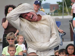 Annual Busker's Festival opens in Windsor, Ontario (MiRea) Tags: wallpaper people ontario canada man male smile festival audience streetperformers humor smiles buskers windsor mirea kiss2 mireasrealm kiss3 kiss1 kiss4 06081700392000