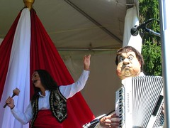 Hoy Hoy!! (Sheldesaur) Tags: funny drum vest hahahaha accordian leakyheavencircus vanfolkfest
