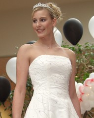 00P2170956 (CraigShipp.com Photos - Events / People / Places) Tags: show girls cute beauty smile mall pose bride pretty 10 models maryland blond posture shoulders bridal frederick fsk uscute