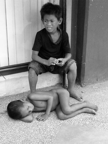 Pinoy Filipino Pilipino Buhay  people pictures photos life  boy, children, young, sleeping ground naked no clothes barefoot