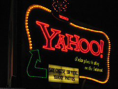 Yahoo! Neon Sign by Freeway 101