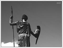 Roma II (manolotoledo) Tags: bw white black roma blanco valencia statue digital mt negro olympus bn toledo terra manolo estatua zuiko casco mitica lanza e500 zd olympuse500 40150mm espacionegativo odelot manolotoledo