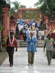 Mahabodhi Temple   entering the Temple