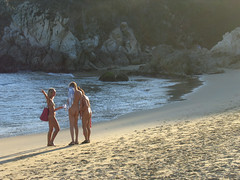 zipolite nudist beach (stefan3D) Tags: light sea people beach mexico nudist