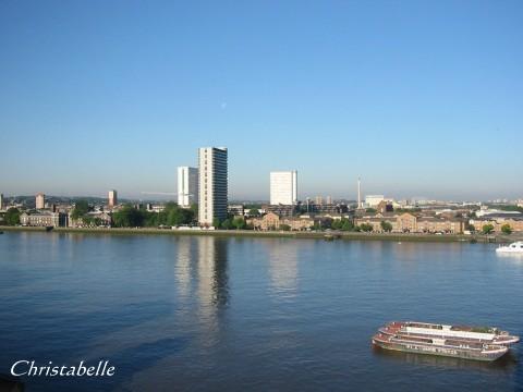 一個River Thames的早晨