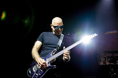 Joe Satriani (Erik de Klerck) Tags: joe satriani joesatriani guitar guitarist senaeuropeanguitaraward 2018 gebouwt bergenopzoom thenetherlands sunglasses music rock sega