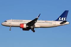 LN-RGN / SAS Scandinavian Airlines / Airbus A320-251N (Charles Cunliffe) Tags: canon7dmkii aviation londonheathrowairport egll lhr sasscandinavianairlines sas sk airbusa320 a320neo lnrgn