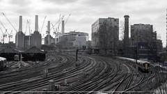 Dia 3: Nadie encuentra su camino sin haberse perdido varias veces (Sebas Fonseca) Tags: alpha sony sebafonseca trip travel urban city train tracks londres uk london