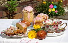 Easter breakfast in my garden ☕ (Tatters ✾) Tags: australia qld home homemade homegarden cakes food russianfood tea cup stilllife easter eastercake egg holiday nfc куличи пасха чай