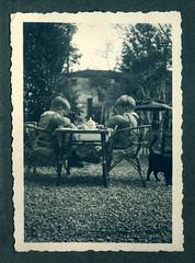 i gemelli a Vicenza - aprile 1937 (dindolina) Tags: photo fotografia bw blackandwhite biancoenero monochrome monocromo vintage family famiglia history storia twins gemelli vignato italy italia veneto vicenza garden giardino annitrenta thirties 1930s 1937