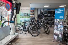 Resibike Giantstore--2 (Rudi Kockelbergh) Tags: giant resibike fiets fietsen fietsenwinkel