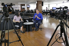 "Entrevista - Jornal O Popular • <a style=""font-size:0.8em;"" href=""http://www.flickr.com/photos/100019041@N05/39093478490/"" target=""_blank"">View on Flickr</a>"