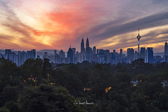 Sunrise in Kuala Lumpur. March 2018 (Nur Ismail Photography) Tags: sunrise sunset tall time sunbursts structure road scene sky skyline timelapse tourism urban vacation view wide up twin tourist towers traffic travel panorama modern cityscape close clouds day citycentre city asean asia background capital destination downtown landmark landscape malaysia malaysialandmark kualalumpurskyline kualalumpurmalaysia evening futuristic highway kualalumpur architecture burningsky hdr blending