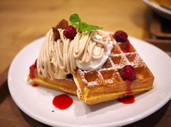 Mont Blanc Waffle with Berries (Long Sleeper) Tags: sweets dessert food cafe motherleafteastyle waffle waffles montblanc montblancwaffle berry berries whippedcream akishima tokyo japan dmcgf1