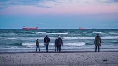 Family on the Beach (Poul_Werner) Tags: danmark denmark grenen skagen thebasculelight vippefyret aften easter evening night påske solnedgang sunset northdenmarkregion dk
