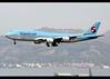 B747-8B5 | Korean Air | HL7638 | HKG (Christian Junker | Photography) Tags: nikon nikkor d800 d800e dslr 70200mm aero plane aircraft boeing b7478b5 b747800 b748 b747 b7478i b7478 b74h intercontinental koreanair ke kal ke603 kal603 koreanair603 hl7638 skyteam heavy widebody jumbo arrival landing 25r strobe fog haze airline airport aviation planespotting 60408 1531 604081531 hongkonginternationalairport cheklapkok vhhh hkg clk hkia hongkong sar china asia lantau terminal2 t2 skydeck christianjunker flickraward flickrtravelaward zensational hongkongphotos worldtrekker superflickers