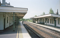 Romsey Station, 26 June 2005 (Ian D Nolan) Tags: station lswr romseystation 35mm epsonperfectionv750scanner railway