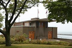 Frank Lloyd Wright's Fontana Boathouse (Canadian Pacific) Tags: buffalo newyork ny usa us unitedstates america american city building architecture 2017aimg3669 franklloydwright fontana boathouse row 1 rotaryrow