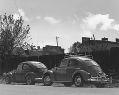 beetle squared on 4x5 film (Garrett Meyers) Tags: autograflex4x5 rbgraflex4x5 graflex graflex4x5 4x5film film filmphotographer blackandwhitefilm homedeveloped largeformat vintagecar reddingphotographer