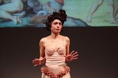 IMGP4999 (i'gore) Tags: montemurlo teatro fts salabanti fondazionetoscanaspettacolo donna donne libertà felicità ritapelusio satira ironia marcorampoldi pemhabitatteatrali