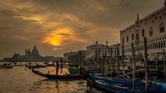 Venice at sunset (hjuengst) Tags: venedig venezia venice italy italien italia sunset sonnenuntergang gondola gondel clouds wolken san marco