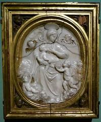 le privilège du blanc (5) (canecrabe) Tags: vierge virgen lait leche albâtre laspalmas grancanaria enfant sein musée