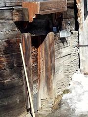 Uscio...  Zermatt CH  #zermatt #zermattmatterhorn #matterhorn #svizzera #swizzerland #neve #snow #ski  #montagna #mountain #casedilegno #timberhouses #vogliovivereli (Kalispera2007) Tags: vogliovivereli swizzerland svizzera zermattmatterhorn matterhorn casedilegno zermatt montagna timberhouses neve ski snow mountain