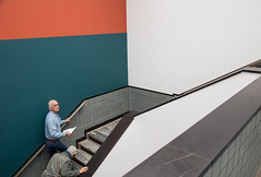 Gemeentemuseum / The Hague 2018 (zilverbat.) Tags: dutch people peopleinthecity thehague urban urbanlife zilverbat peopleofthehague urbanvibes gemeente bild thenetherlands timelife town travel tripadvisor museum visit trip tourist tourism stairs portrait portret photography postcard candidphotography candid canon citylife city search