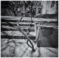 Fotografía Estenopeica (Pinhole Photography) (Black and White Fine Art) Tags: fotografiaestenopeica pinholephotography camaraestenopeica pinholecamera pinhole estenopo estenopeica lenslesscamera camarasinlente sanjuan oldsanjuan viejosanjuan puertorico bn bw sombras shadows
