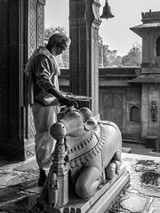 LRa Madhya Pradesh 2018-2240191 (hunbille) Tags: birgittemadhyapradesh20182lr india madhya pradesh madhyapradesh maheshwar ahilyabai narmada river holy ahilya palace fort temple nandi challengeyouwinner cyunanimous