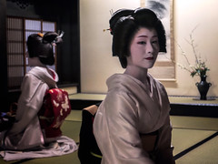 Katsutomo (Rekishi no Tabi) Tags: gion gionkobu geiko geisha kyoto japan leica traditionaljapaneseculture karyukai nationalgeographic