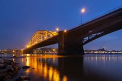 Ausflug nach Nijmegen (Jörgenshaus) Tags: niederlande nihmegen nimwegen rhein waal waalbrug day clear lichtsterne blauestunde