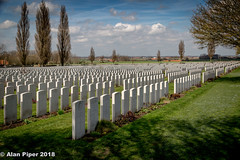 Tyne Cot WW1 Cemetery (PapaPiper (Travelling with my camera)) Tags: belgium ypressalient europe history historiccentre historic historicbuildings remembrance