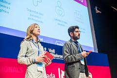 presentadora (Vall d'Hebron Barcelona Hospital Campus) Tags: comuincació roche vh jornada innovo innovació professionals passió emoció recerca investigació