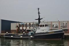 Steenbank (Hugo Sluimer) Tags: sleepboot sleepboothaven maassluis nederland zuidholland holland nederlands portofrotterdam port haven nlrtm onzehaven